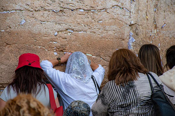 prayer at the Western Wall